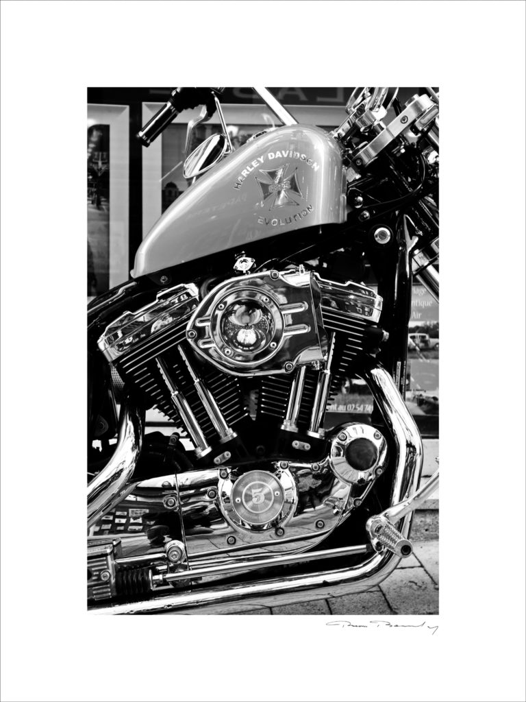 N&B, moto, Harley
